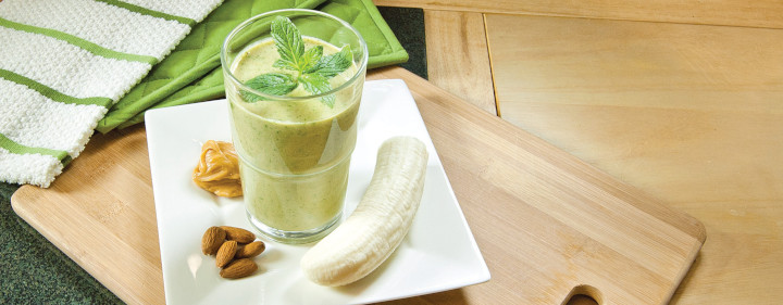 Spinach Peanut Butter Banana Smoothie